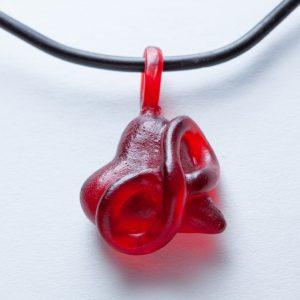 Polyamorie hangertje rood epoxy