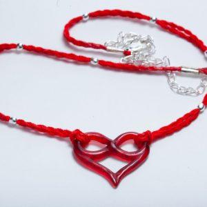 Rode halsketting met rode epoxy hart en oneindigheidsteken